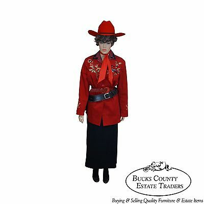 Annie Oakley Life Size Large Dressed Mannequin w/ Replica Pistol, Holster  (Annie Oakley Dress)