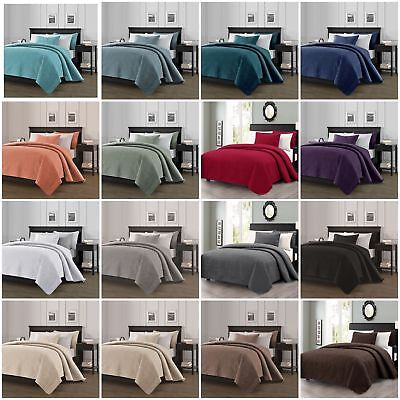 3 Piece Contemporary Bed (Chezmoi Collection Austin 3-piece Oversized Bedspread Coverlet Set (16 Colors) )