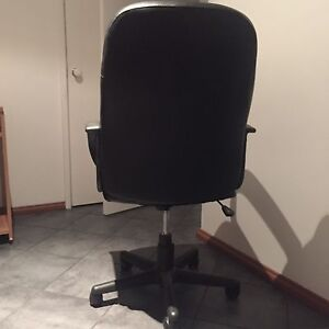 Office chair Cooloongup Rockingham Area Preview