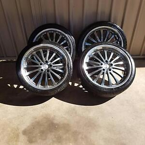 Holden Commodore 20 inch rims 1 has gutter damage Wodonga Wodonga Area Preview