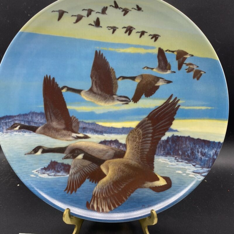 Southward Bound Canadien Geese Collector Plate