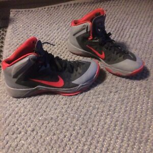 Nike' high tops ( black and red)