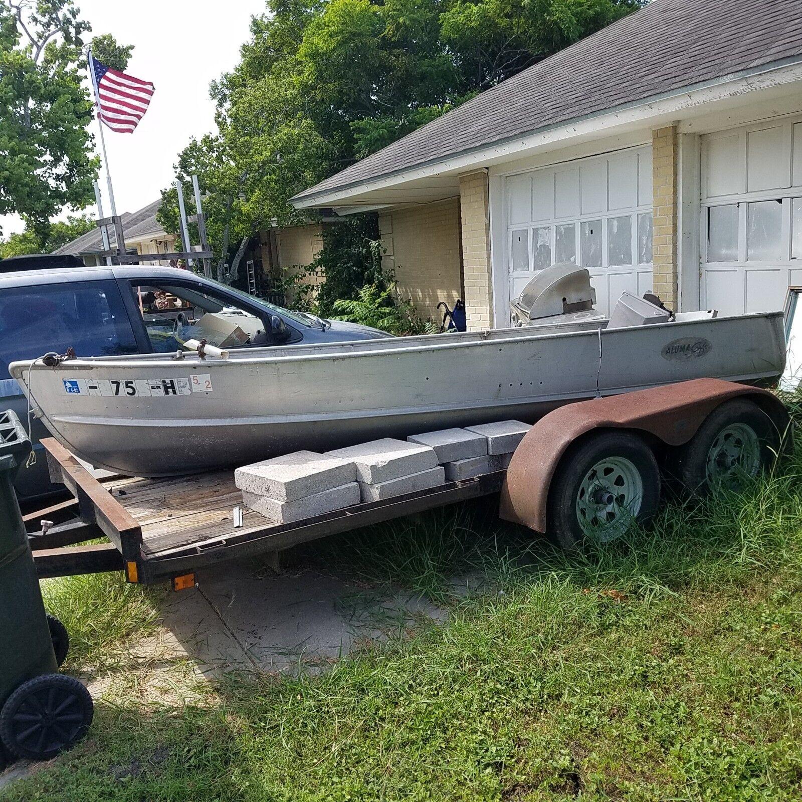 Aluma Craft 14 foot ALUMINUM FISHING row BOAT - no trailer included