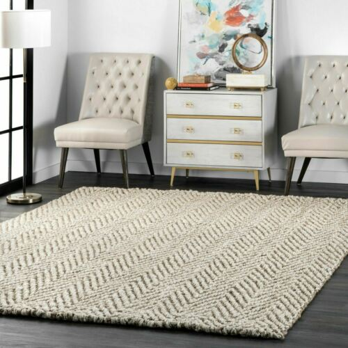 nuLOOM Hand Made Modern Chevron Natural Jute Area Rug in Tan