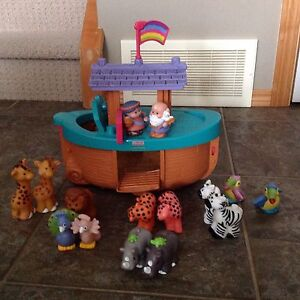 Fisher price Noah s ark with lots of animals