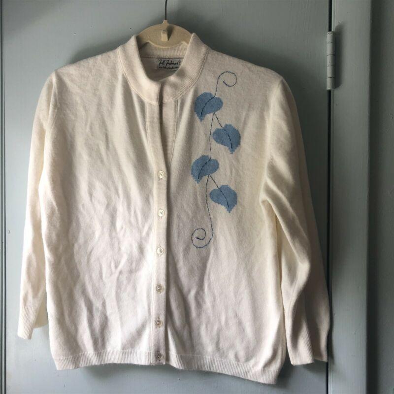 Vintage Full Fashion Cardigan Sweater Orlon Acrylic Blue Leaves 60