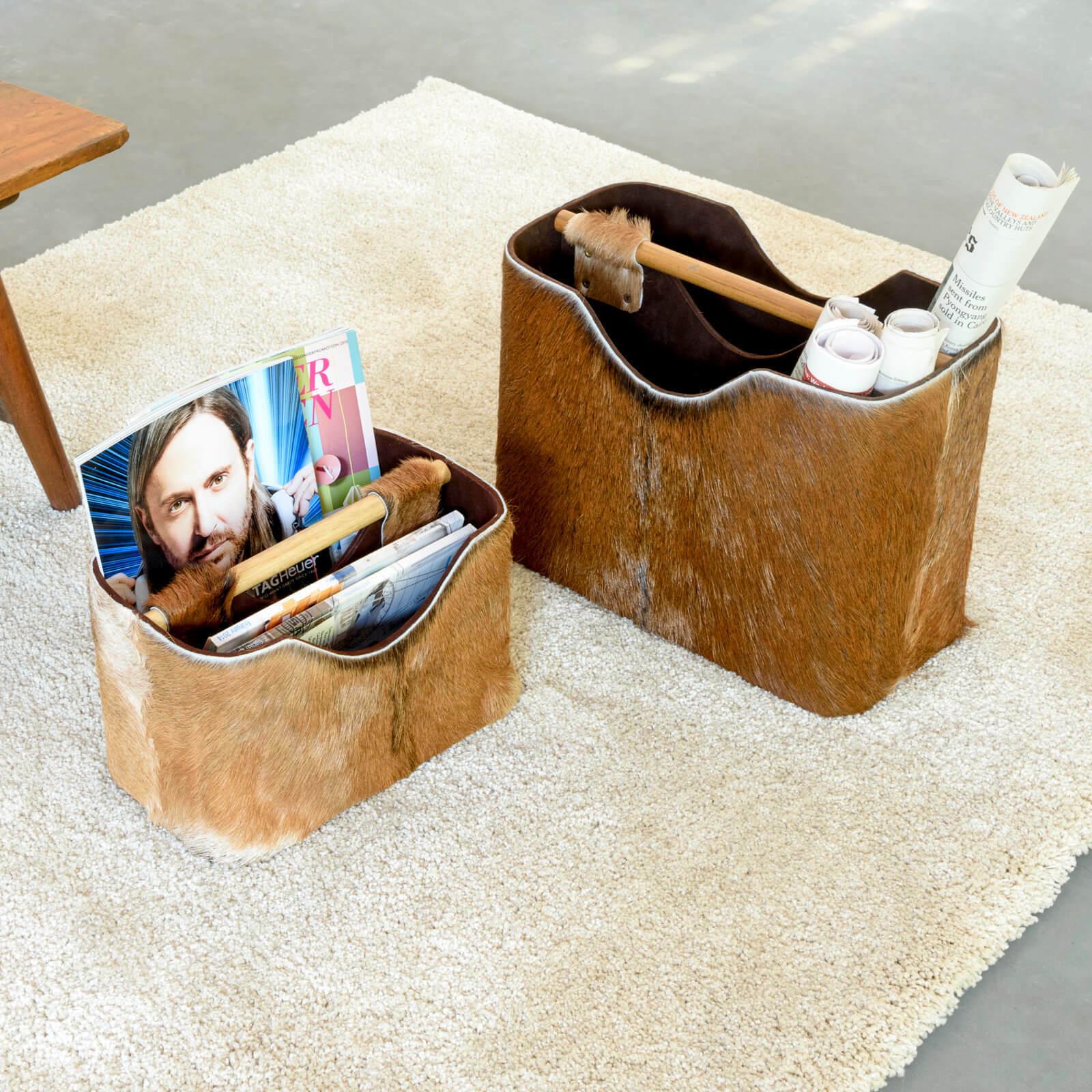 WOHNFREUDEN Zeitungsständer aus Ziegenfell 40 x 30 x 20 cm Zeitschriftenhalter