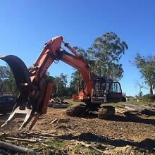 Hitachi EX220-5 Excavator with Log Grab and Hydrasaw Trevallyn West Tamar Preview