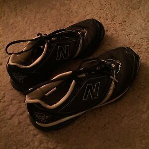 NEW BALANCE RUNNING SHOES / SOULIERS