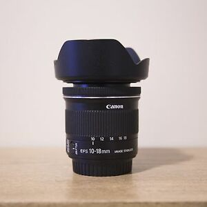 Canon EFS 10-18 mm super wide angle zoom lens - mint condition