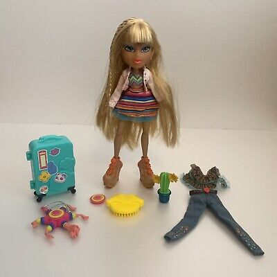 Bratz Study Abroad Raya To Mexico Includes Suitcase and Accessories - 2015