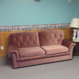 Queen size pullout couch in good condition