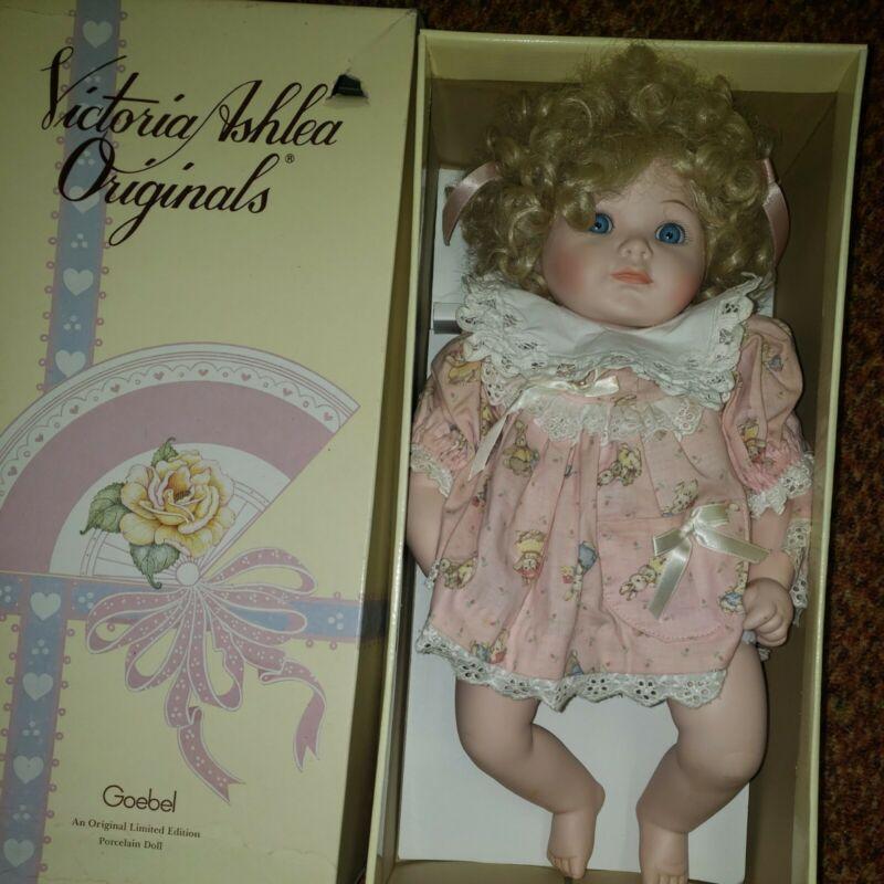 1989 Victoria Ashlea Limited Edition Karen Kennedy Musical Porcelain Goebel box