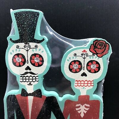 Day Of The Dead Decor (Day of the Dead Halloween Dia De Los Muertos Wife & Husband Wedding Table)