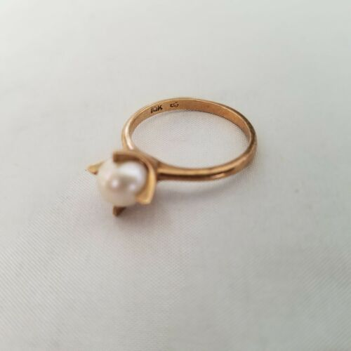 10K Yellow Gold Cultured Pearl Ring 2 grams Size 6 1/2