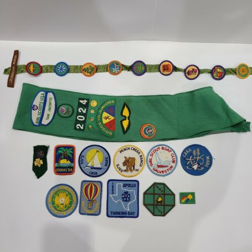 Vintage 1980s Girl Scout Patches Pins Sash