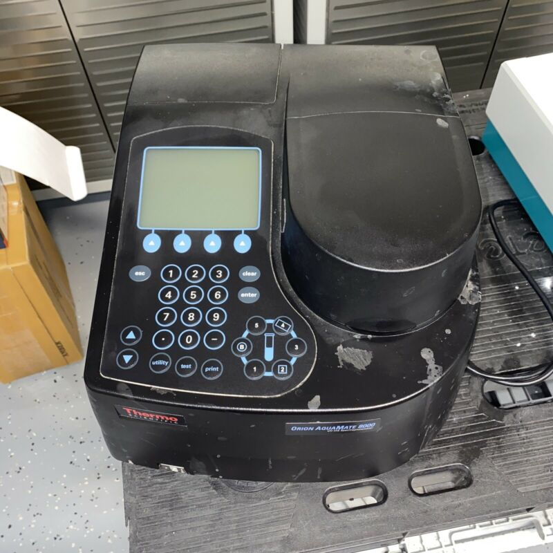 Thermo Scientific Orion AquaMate 8000 UV-VIS Spectrophotometer