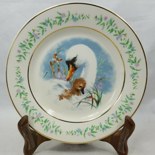 GENTLE MOMENTS 1975 Avon Collector Plate Enoch Wedgwood (Tunstall) England EAFS6