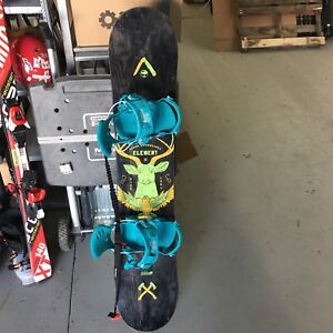 Element youth snowboard with GNU bindings