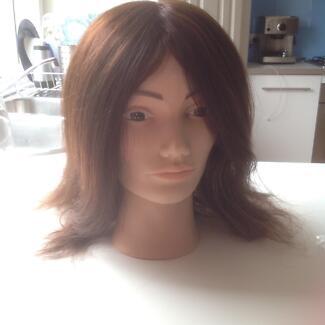 Hairdressing mannequin head