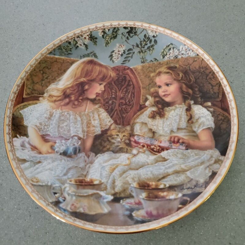 """1993 """"BEST FRIENDS"""" 8"""" Plate by Sandra Kuck  SUGAR AND SPICE COLLECTION #7475A"""