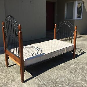 Single bed and mattress in good condition Northbridge Willoughby Area Preview