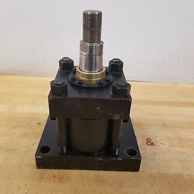 Yates 5bore 1.75stroke Hyrdaulic Cylinder. - Used