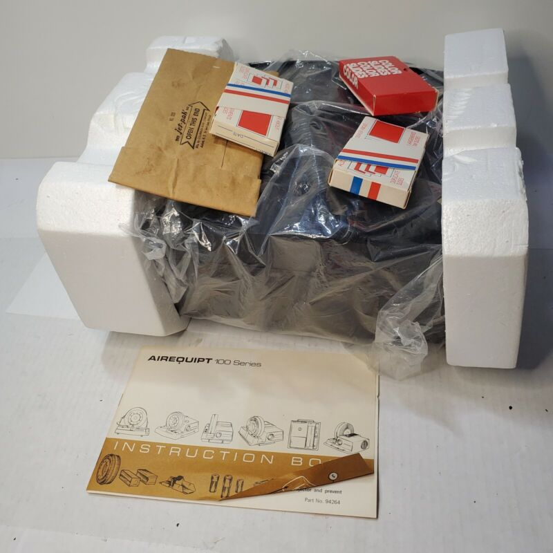 """Vintage AIREQUIPT 135 2x2 Slide Projector 4"""" Luminal with Magazines unused new"""