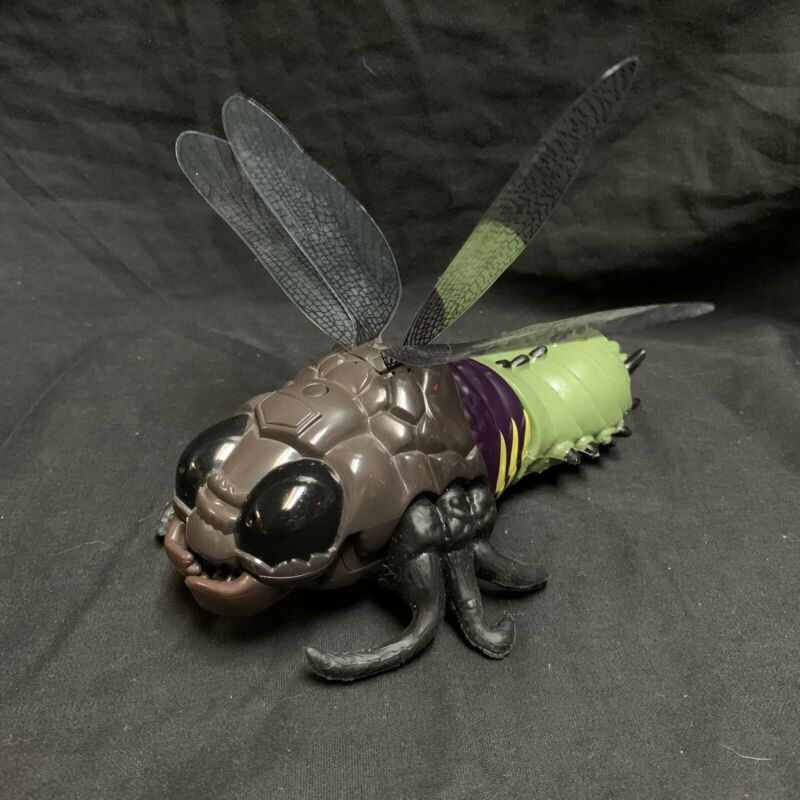 Quest Stretch Screamers Wasp Bee Flying Insect Bugz