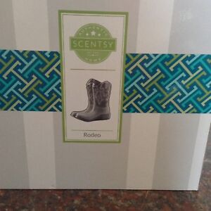Rodeo Scentsy Warmer, with box, like new!REDUCED from $40