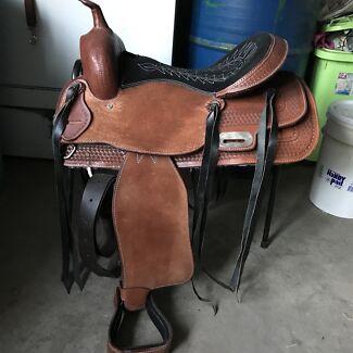 Western saddle & breast plate