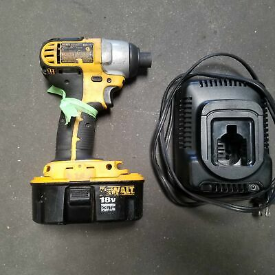 Dewalt De825 14 Hammer Drill 18v. Cordless With Battery And Charger