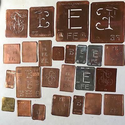FE Monogramm -25 verschiedene Wäscheschablonen für Aussteuer Kupferblech um 1900