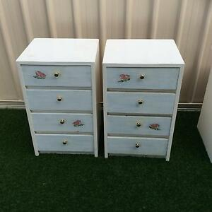 2 Bedside tables/drawers Meadow Springs Mandurah Area Preview