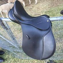 Bates Caprilli All Purpose saddle - 16 inch Urana Urana Area Preview
