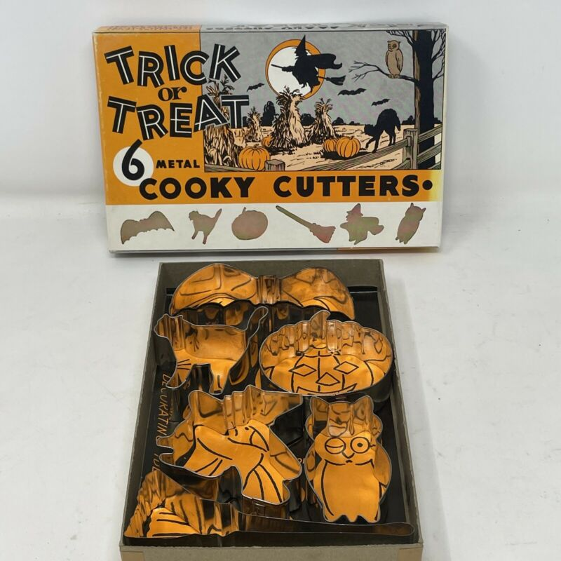 Vintage HALLOWEEN Cookie Cutter SET 50s Cooky Metal w BOX Trick or Treat