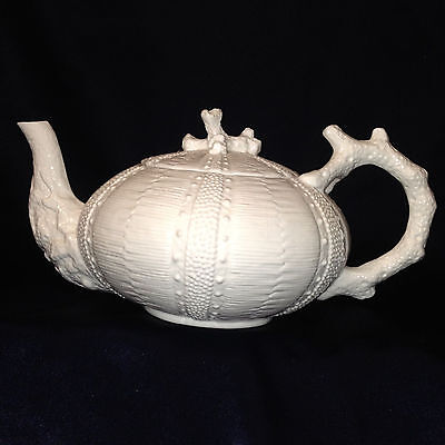 ANTHROPOLOGIE REEF TEAPOT 28 OZ ALL WHITE EMBOSSED DOTS CORAL DESIGN