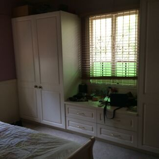 Queen size bedroom available in house share Bulimba Bulimba Brisbane South East Preview