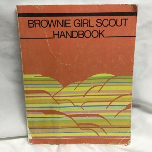 Brownie Girl Scout Handbook (1986)