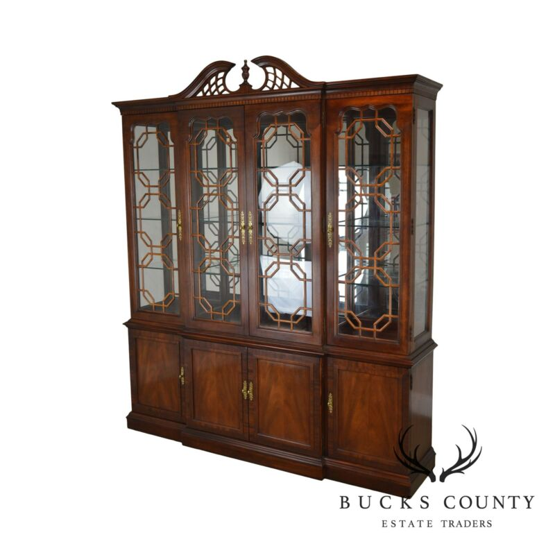 Thomasville Mahogany Collection Chippendale Style Breakfront