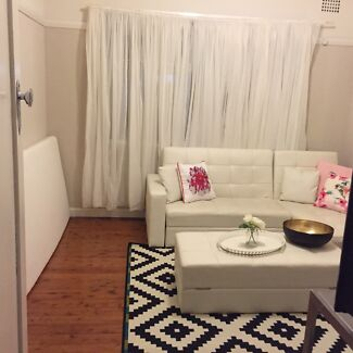 Girl only room in Ashfield $175/wk all inclu