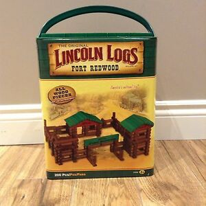 LINCOLN LOGS ( Fort Redwood) $35
