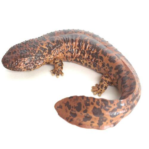 Nature Techni Colour Mini Figure Magnet Japanese Giant Salamander Ikimon