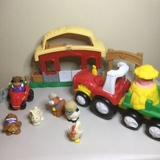 Little People Farm Tractor, Barn, people, animals  Rothwell Redcliffe Area Preview