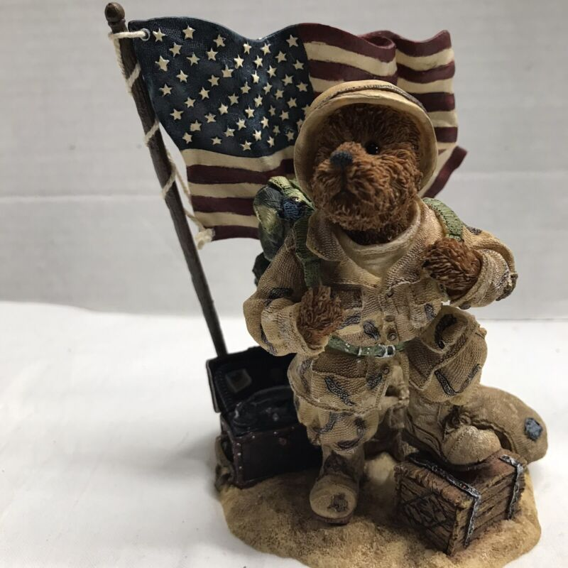 Boyds Bears McBruin To Serve with Honor 1E American Soldier Flag Resin 2003