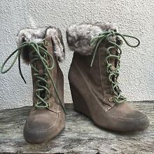 Tie up winter boots | low heels | size 7 Old Reynella Morphett Vale Area Preview