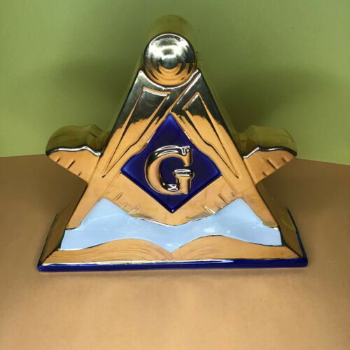 Masonic Freemason Master Mason Limited Edition Whiskey Decanter Made in US 1971