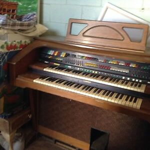 Organ for sale Mount Pleasant Barossa Area Preview