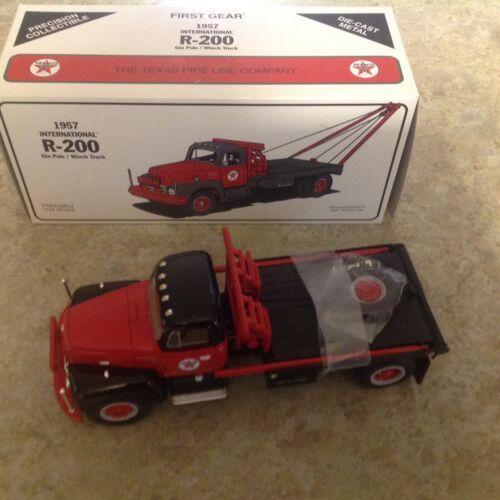 Texaco 1957 1st Gear Gin Pole/Winch Tow Truck NIB