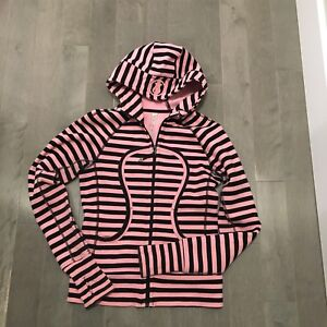 Almost new size 4, lululemon hoodie